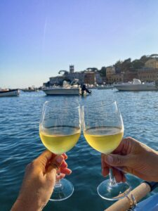 Sestri Levante: history, panoramic trails and aperitifs with a view