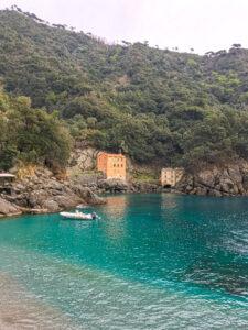 Camogli, borgo di pirati e pescatori.